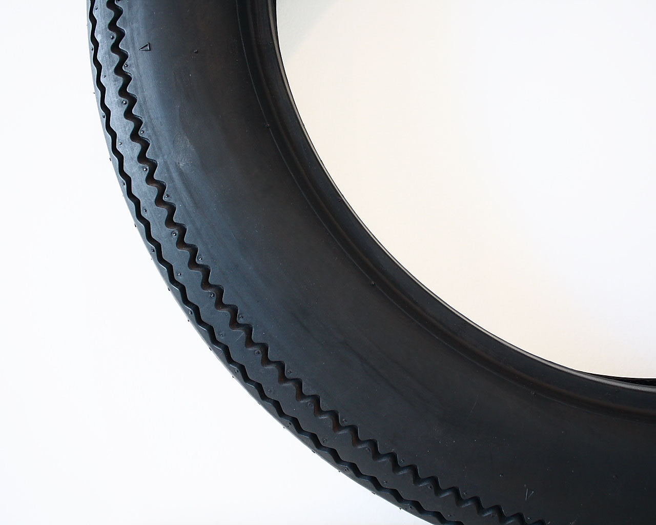 Tyre, Deluxe Champion Replica, 450-18