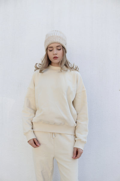 Toat White Pullover Sweater USD$51.37
