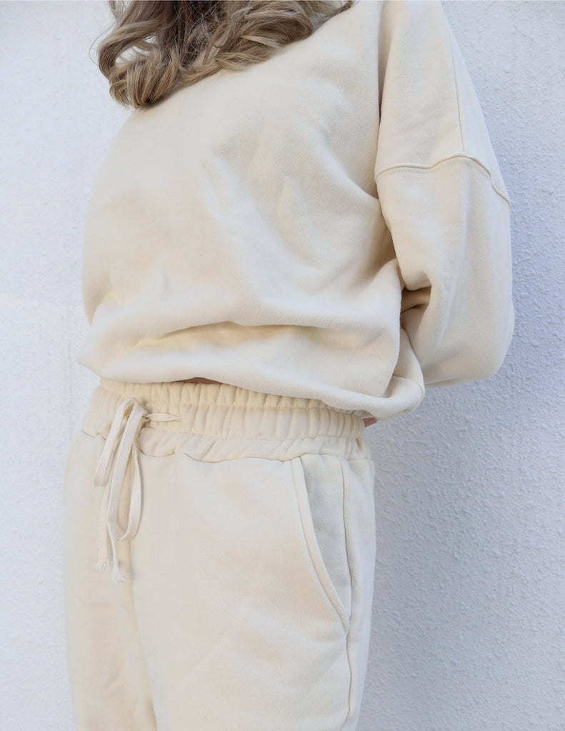 Loose-fit White Pullover Sweater