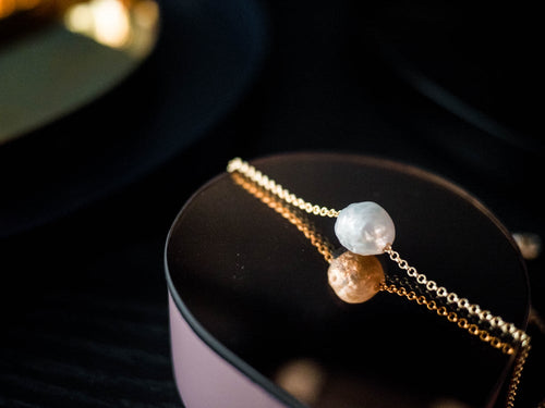 Single pearl necklace. Freshwater pearl necklace.
