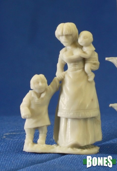 Reaper Miniatures - Townsfolk:Mom & Kids (77087) | Sunny Pair'O'Dice