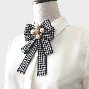 Pedagogue Bow Knot