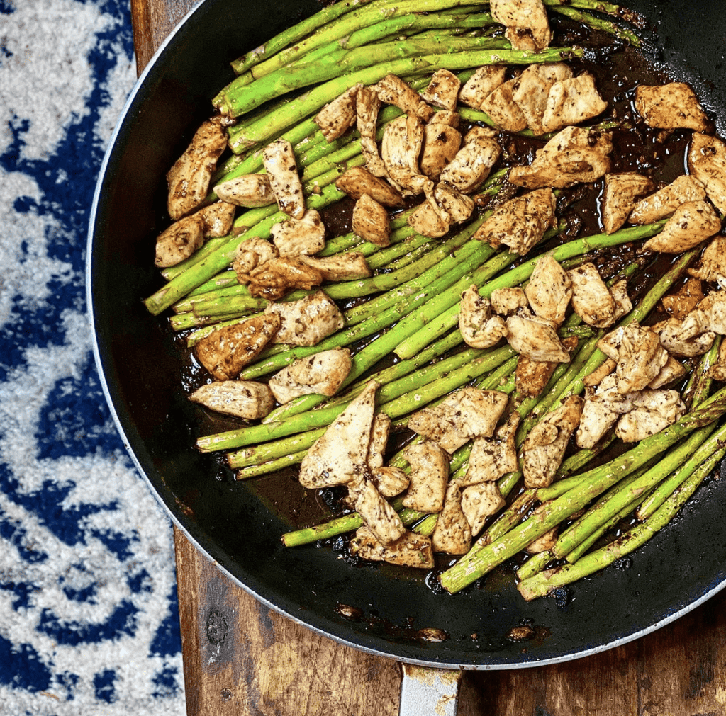 Garlic Butter Chicken Bites and Asparagus