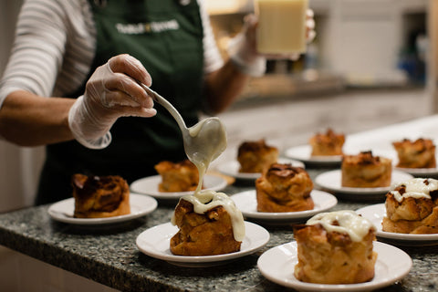 bread pudding table and thyme