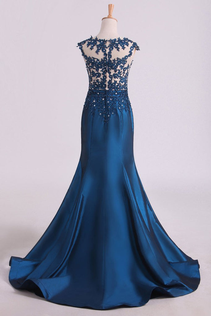 Prom Dresses V Neck Mermaid With Beading And Applique