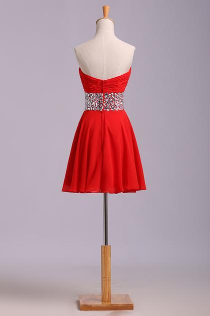 Red Homecoming Dresses A Line Sweetheart Short/Mini With Rhinestone