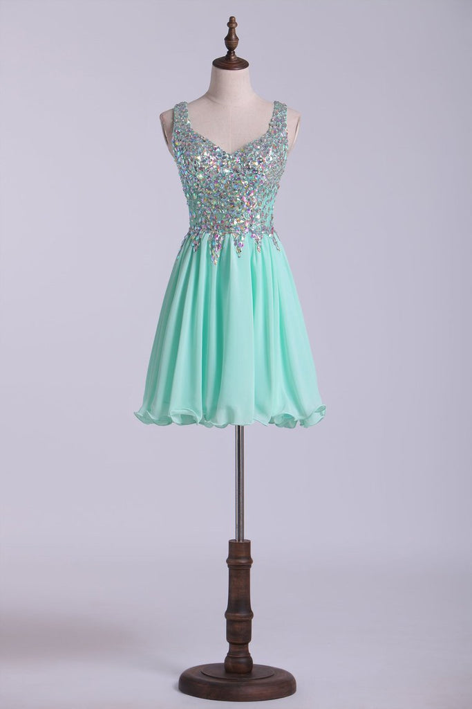 Short Halter A Line Homecoming Dresses Lace&Chiffon Beaded