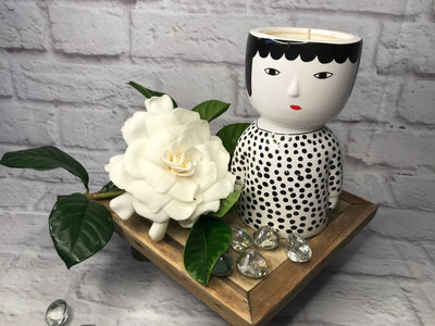 Black & white lady pot head candle - coconut & lime