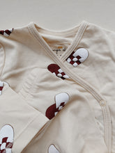 Load image into Gallery viewer, NEW BORN PYJAMAS - HEARTS