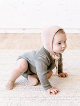 Load image into Gallery viewer, Knit Bonnet | petal