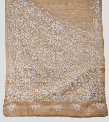 Load image into Gallery viewer, Beige N White Gacchi Tussar Kantha Saree-Pallu