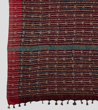 Load image into Gallery viewer, Maroon Jharna Khesh Kantha Saree-Pallu Detail
