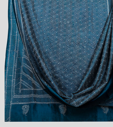 Blue N White Bangalore Silk Kantha Saree-Body