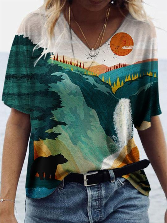 Ladies Yellowstone National Park Landscape And Bear Print T-shirt