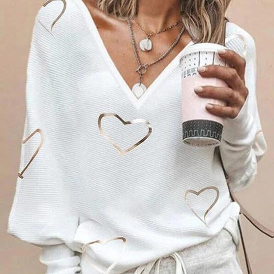 V-neck knitting heart-shaped casual top