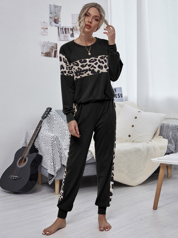 Round neck leopard printed two piece suit