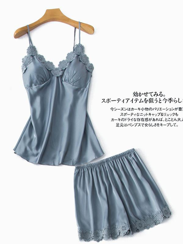 Lovely soft lace top and shorts pajamas suit