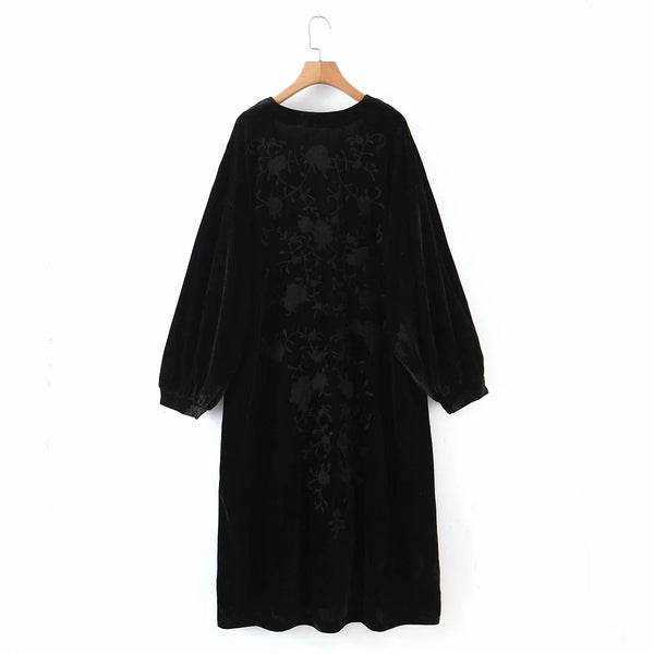 Black flower embroidery buttom loose dress