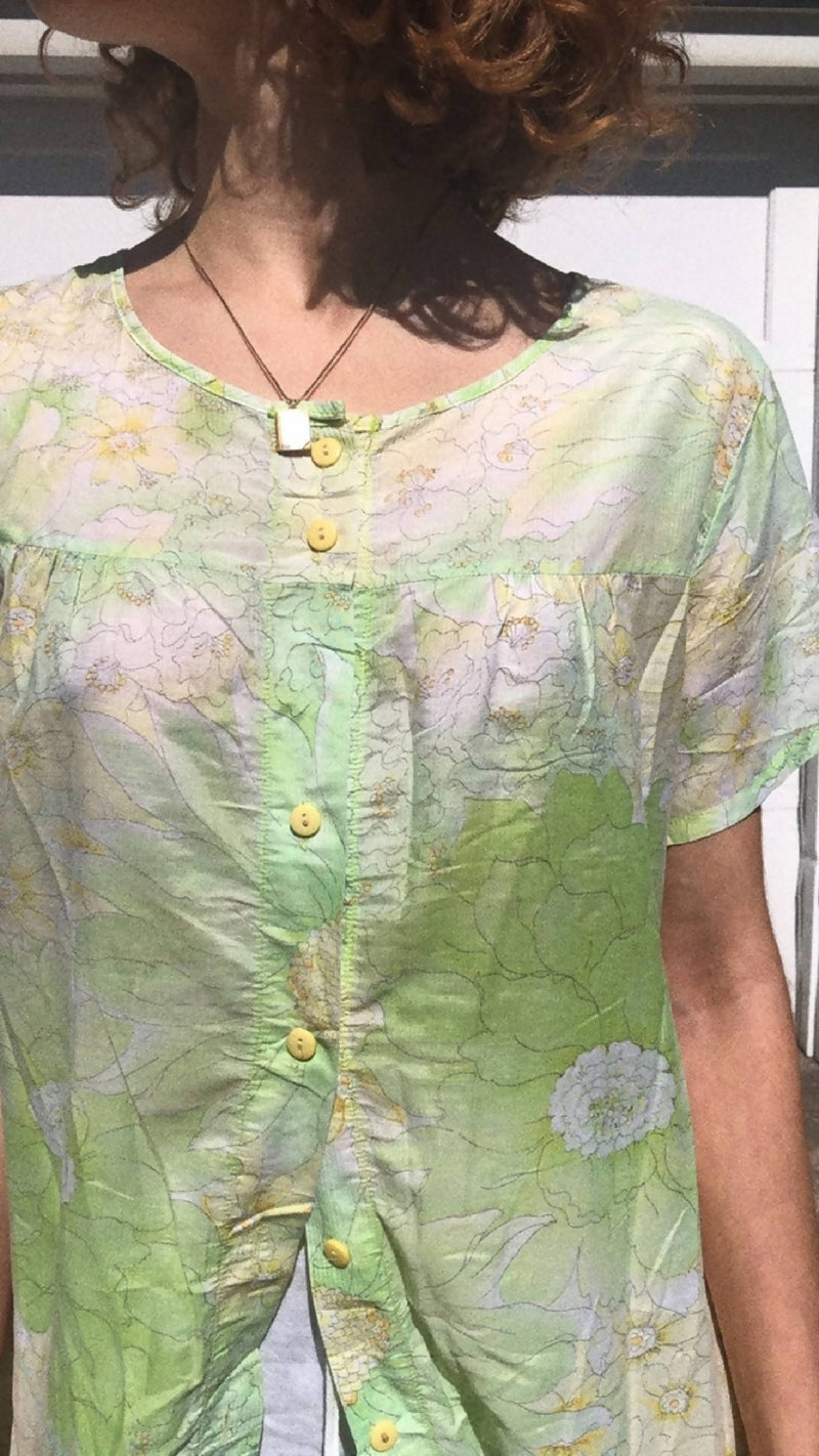 1970s Housedress with Floral Pattern in Sheer Sz US S-M