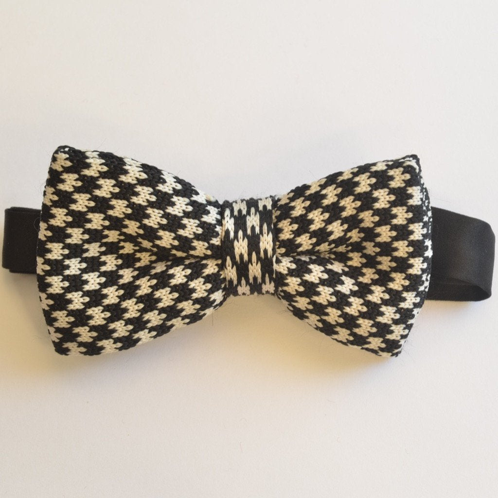 Navy Blue and White Detailed Knitted Bow Tie