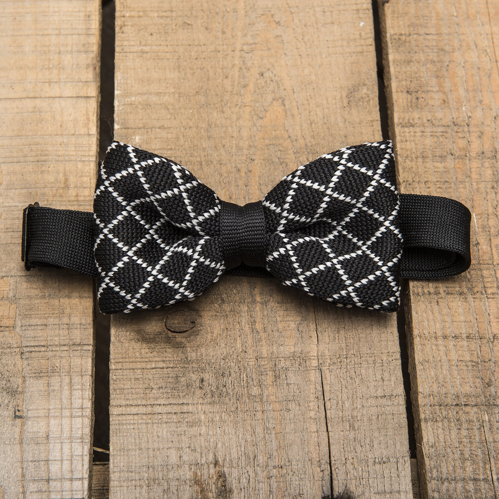 Black and White Knitted Bow Tie