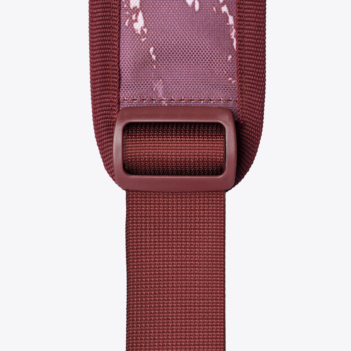 So iLL x On The Roam 25L shoulder strap webbing close up image