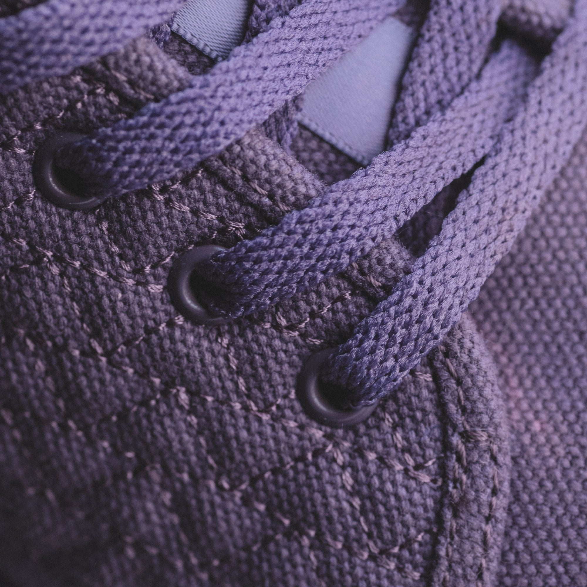 unity purple roamer showing laces of the shoe