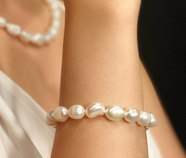 CLASSY ME - White pearls Bracelet - White pearls - White pear bracelet - Love Letter Jewelry