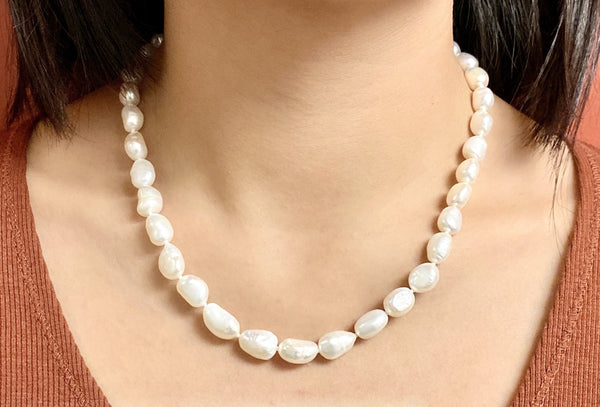 CLASSY ME - White pearl Necklaces - Love Letter Jewelry