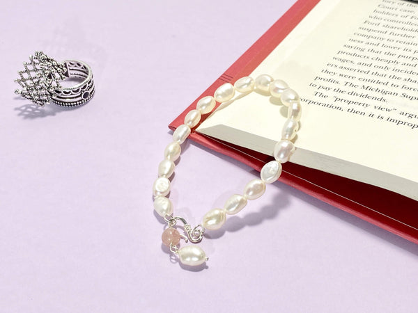 BED OF PEARLS - Pearl Bracelets - Love Letter Jewelry
