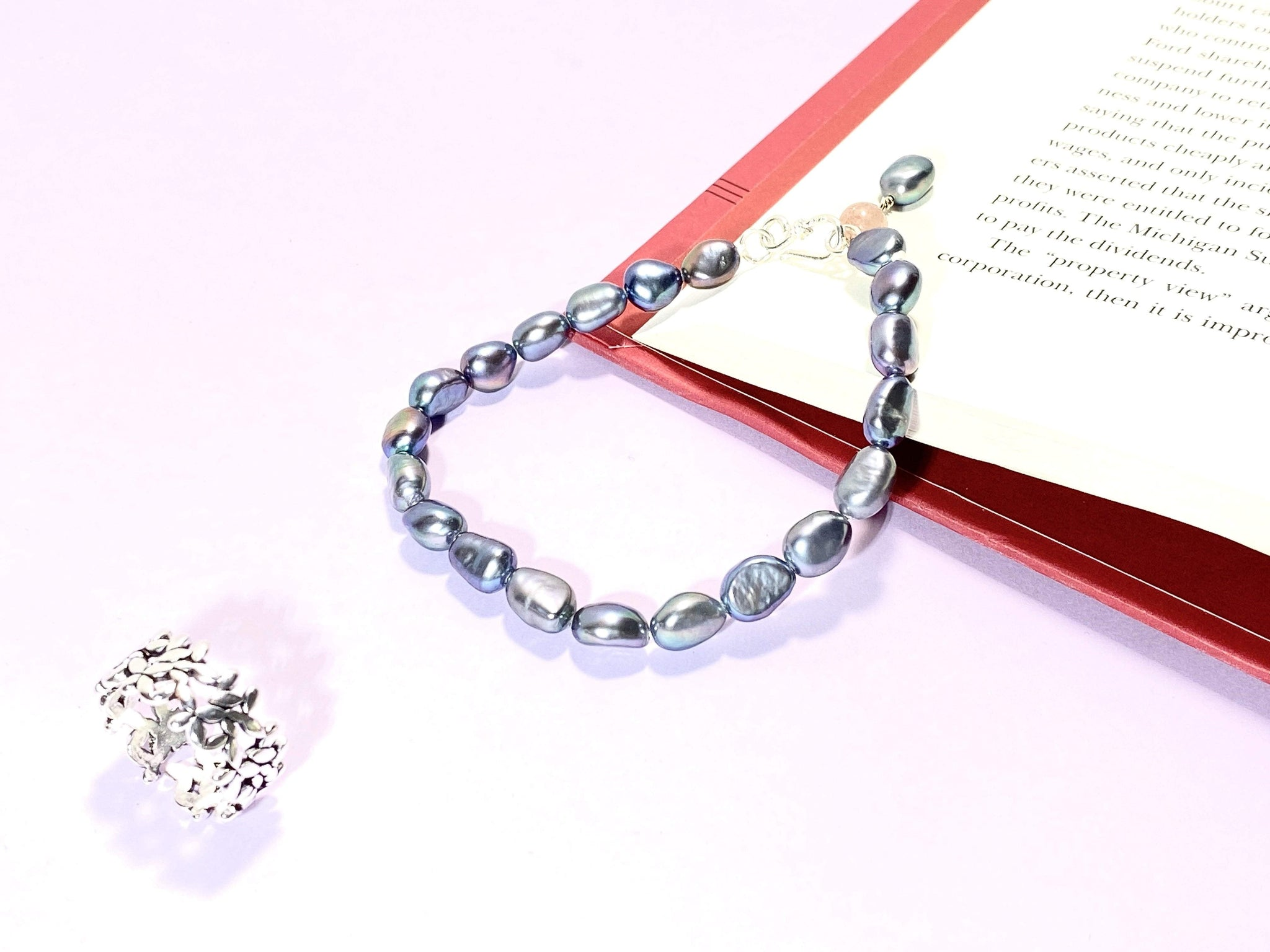 BED OF PEARLS - Pearl Bracelet - Love Letter Jewelry