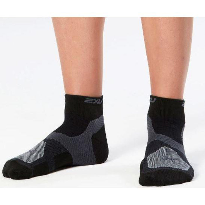 2XU Women's Long Range Vectr Sock - Compression Technology | Antimicrobial Fabric | Dry Mesh Panels