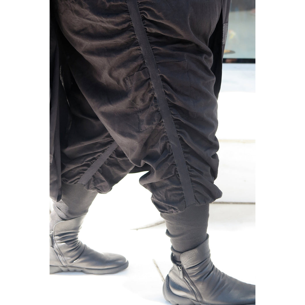 RUCHED MUTTON-LEG PANTS