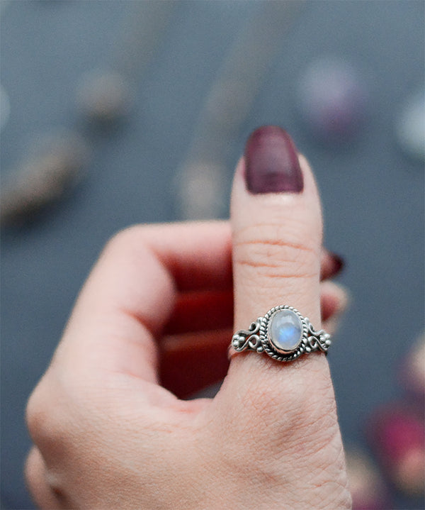 Venus Rainbow Moonstone Sterling Silver Ring