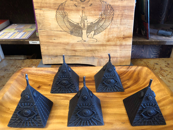 100% local beeswax black pyramid candle