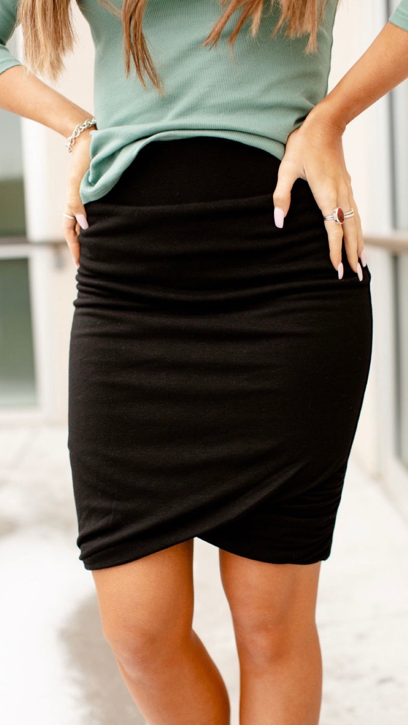 Black midi Skirt with a tulip hem