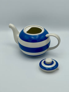 Cornishware Large Betty Teapot (47oz) by T.G. Green