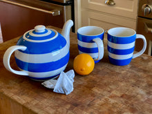 Load image into Gallery viewer, Cornishware Large Betty Teapot (47oz) by T.G. Green