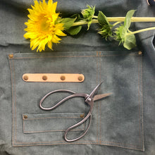 Load image into Gallery viewer, Garden/Florist Apron - Waxed Canvas Smock for Florist or Gardening Tools
