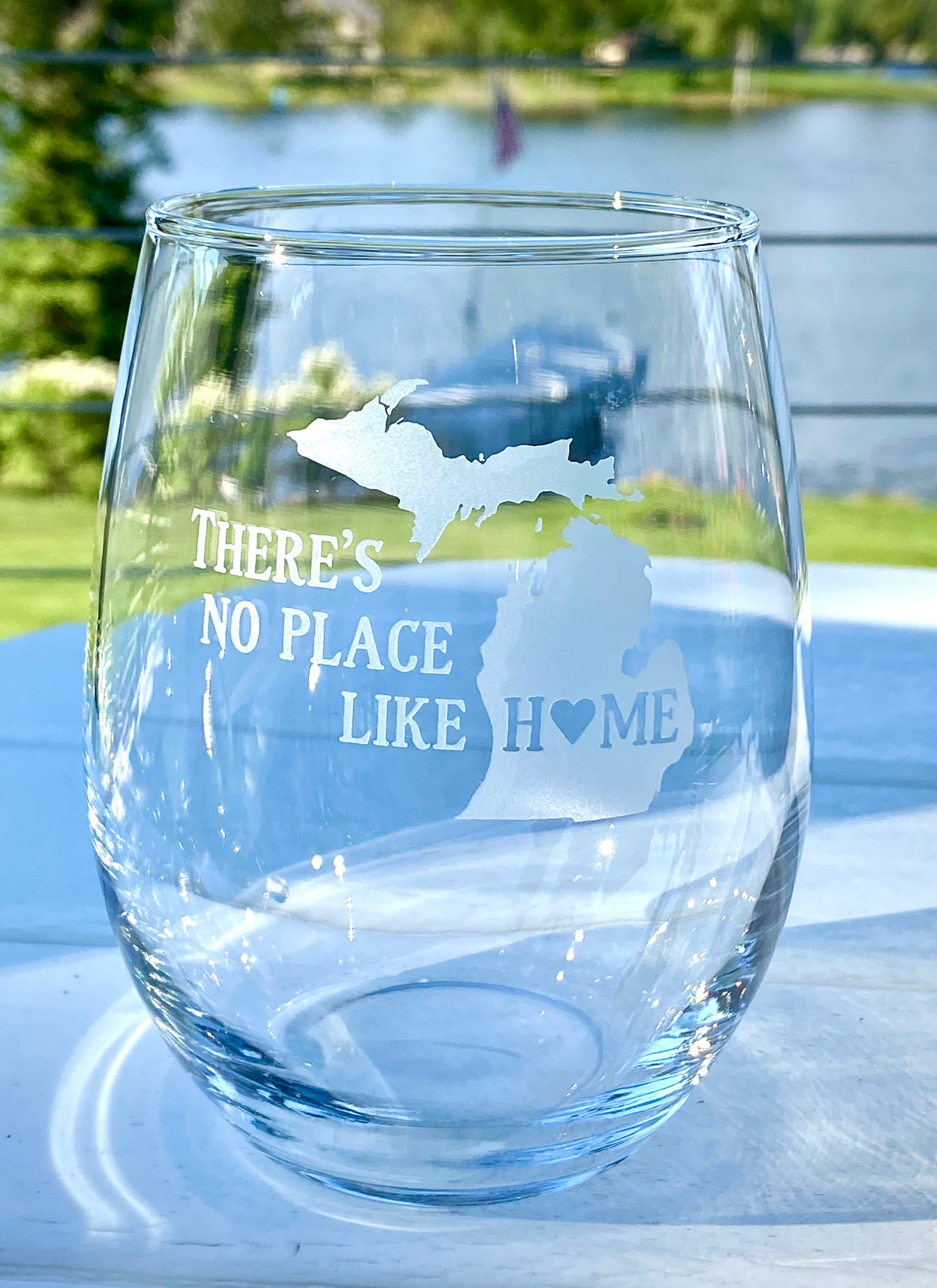 Stemless wine glass - there's no place like home