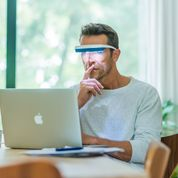 Load image into Gallery viewer, LUMINETTE 3 LIGHT THERAPY GLASSES