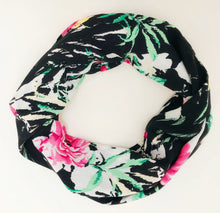 Load image into Gallery viewer, infinity secret pocket travel scarf