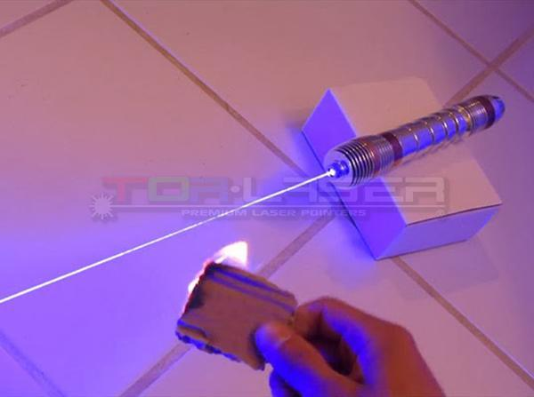 Cardboard burn with Laser Pointer