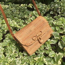 Load image into Gallery viewer, Summer Bag - Rattan Bag - Shoulder Bag - Beach Bag - Crossbody Bag - Straw Bag - Bali Bag - Round Straw Bag - Woven Rattan Bag - Woven Bag - Hand-woven Bag Single Shoulder - Pateleven