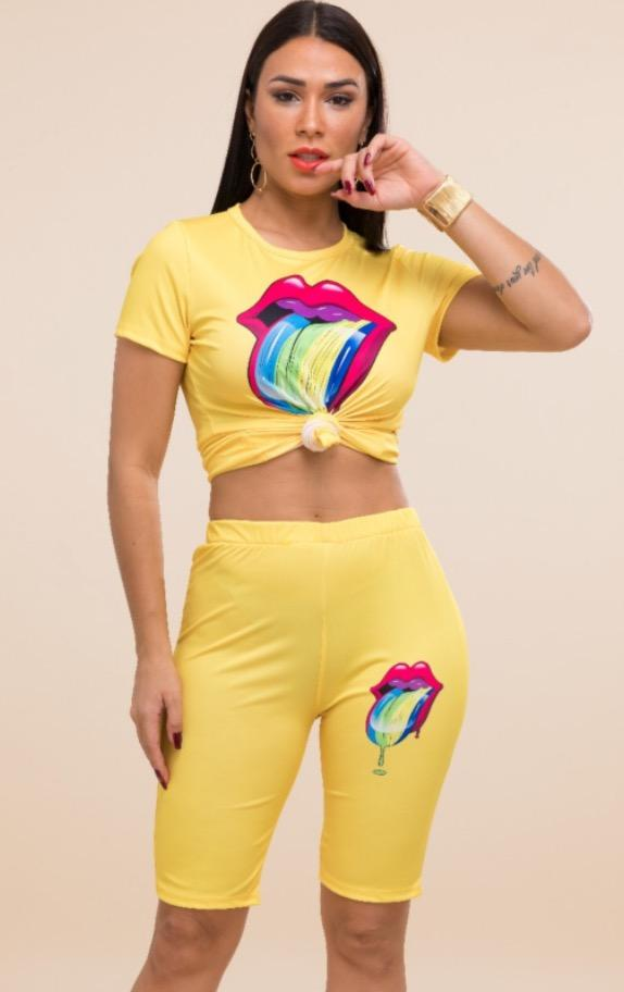 Women's Colorful Lips Print Top And Shorts Set