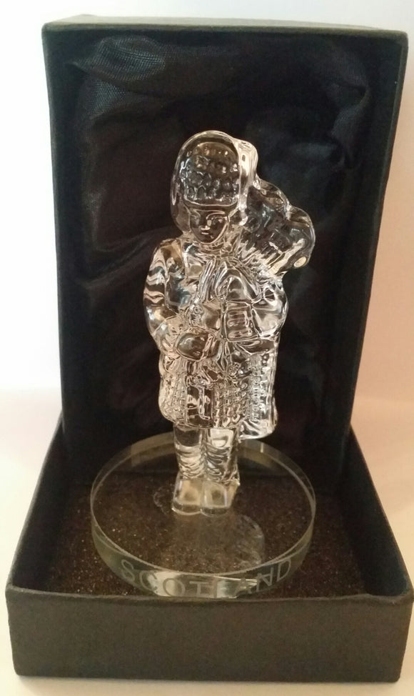 Scottish Piper Crystal Figure 3.5