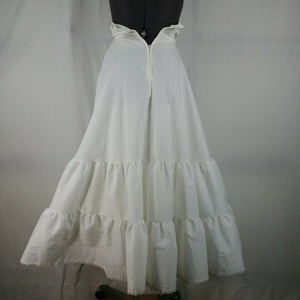 Margaret's of Portland Wedding Dress Sweetheart Neckline w/ Bustle
