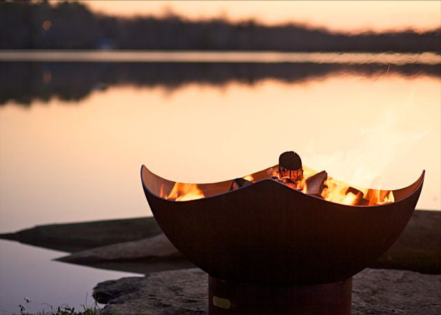 Manta Ray - Inspiration from the sea - the Manta Ray Fire Pit mimics the gentle wings of the giant Manta.