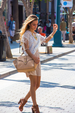 SquareHearts Editorial Outfit White Knitted Top Beige Summer Dress Beige Handbag Summerstyle Santa Monica