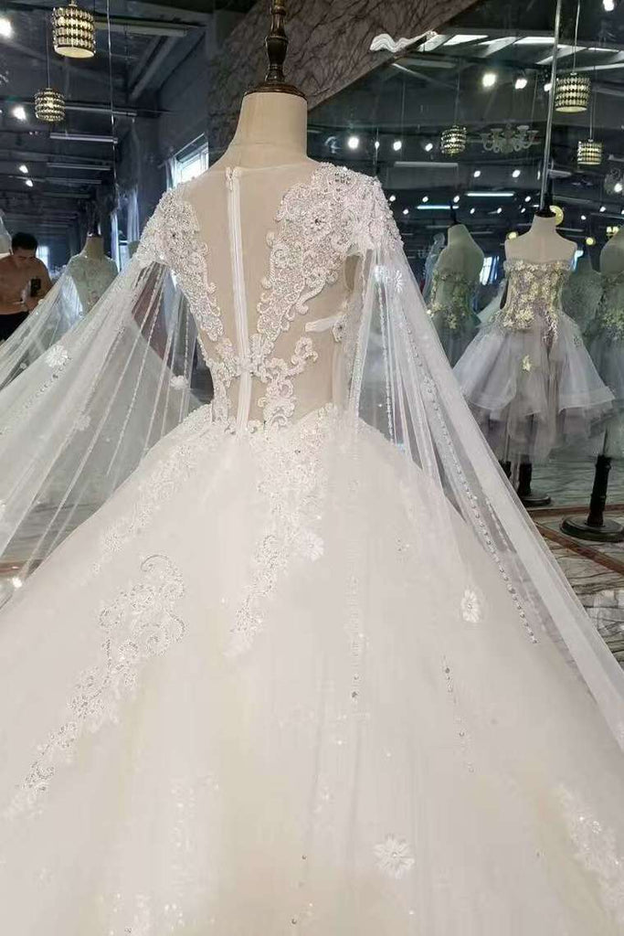 2020 New Arrival Tulle Scoop Neck Wedding Dresses Zipper Up With Appliques And Beading Royal Train